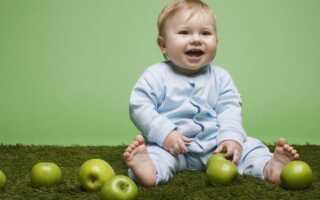 Як відіпрати яблуко з дитячого одягу підручними засобами без хімії