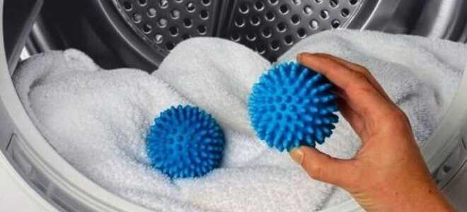 Як швидко відіпрати білі шкарпетки в домашніх умовах